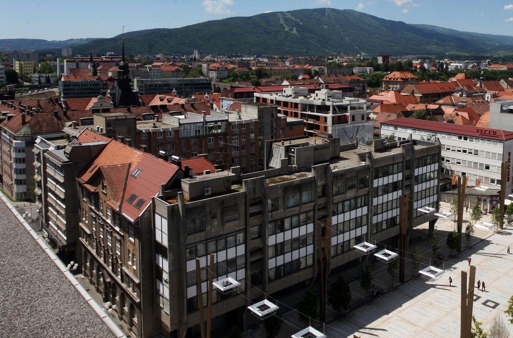 Umetnostna galerija Maribor, Ahilova peta nekdanjega EPK