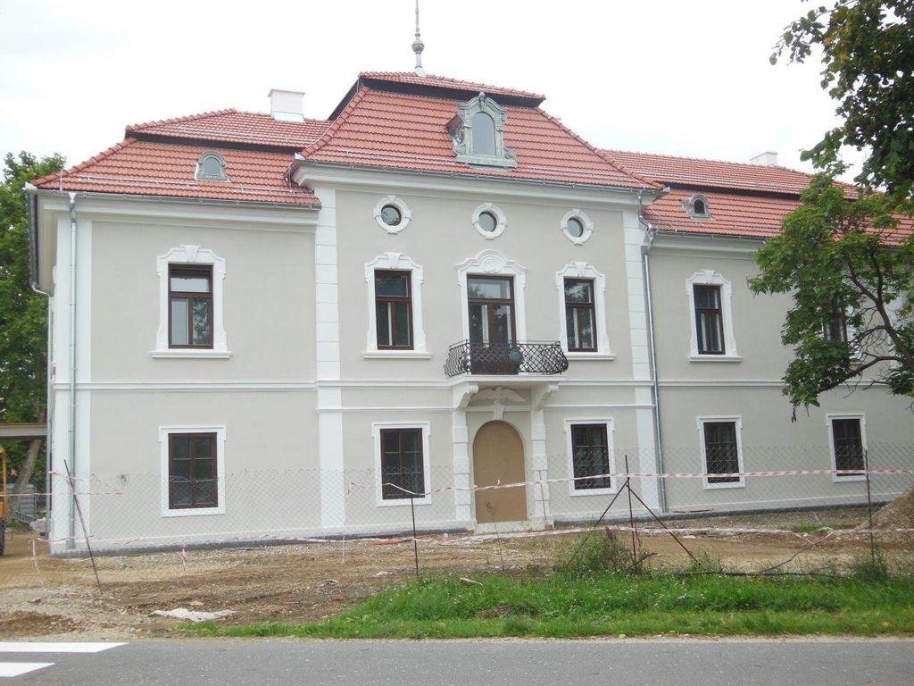Dvorec Sternthal je novi sedež kidričevske občinske oblasti
