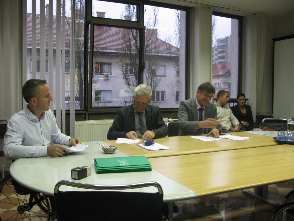 Pogodba za dokončanje soseske Polje III