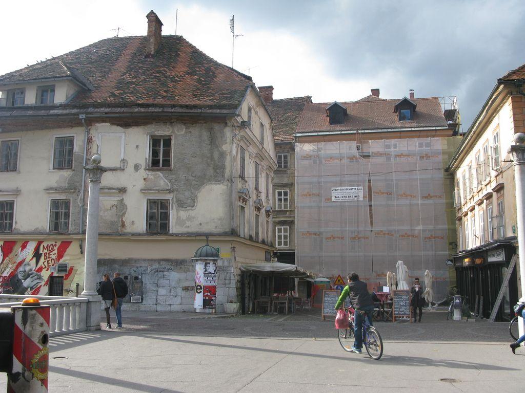 Prijavijo se za prenovo fasad, potem pa z njo odlašajo