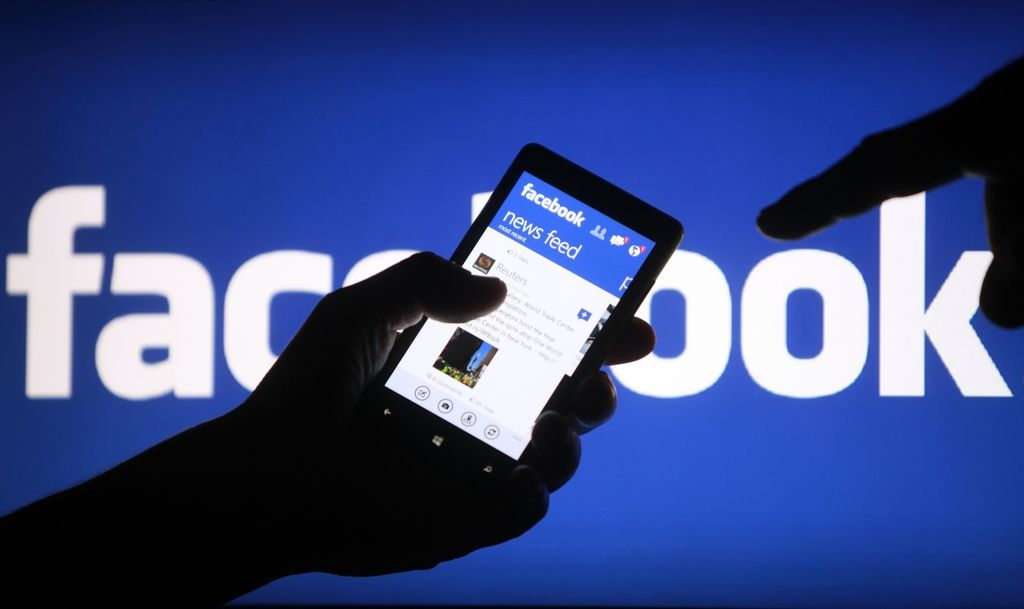 Nasilje na spletu: Skoraj polovica mladih deležna žaljivih komentarjev