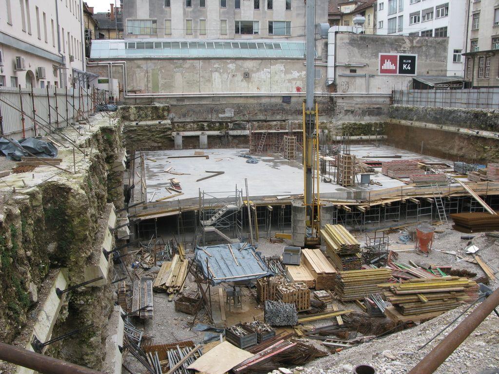 Lahko projekt garažne hiše Kozolec II reši le še MOL?