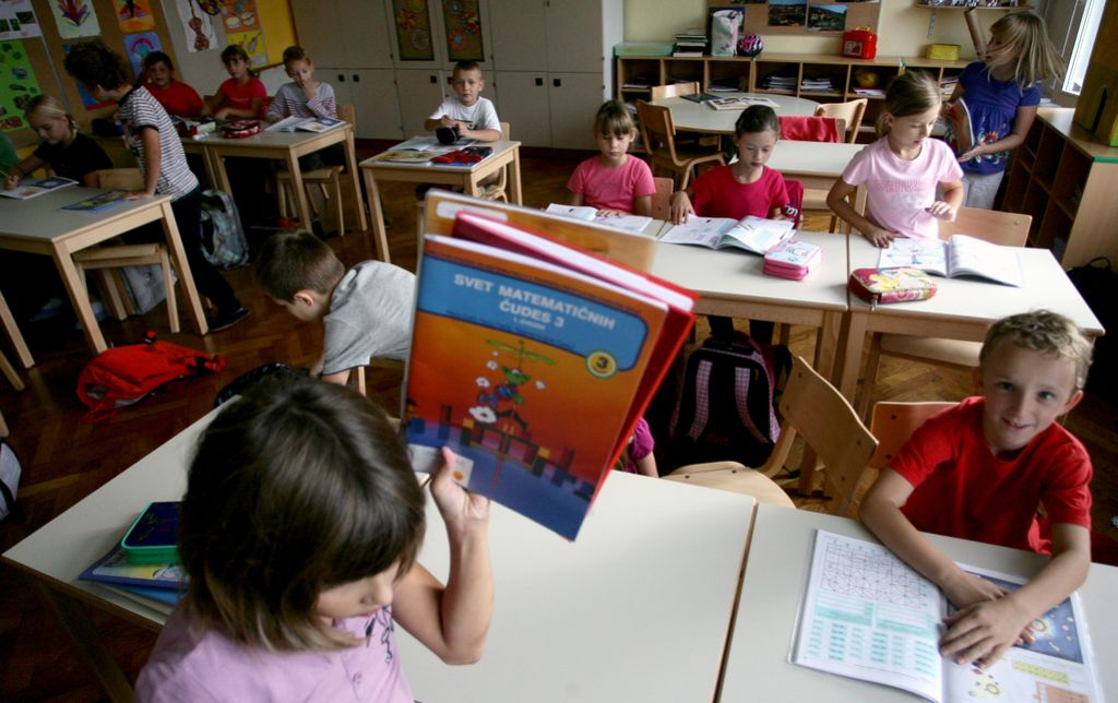 Rebalans: izobraževanju 10 milijonov manj, učna pomoč ostaja