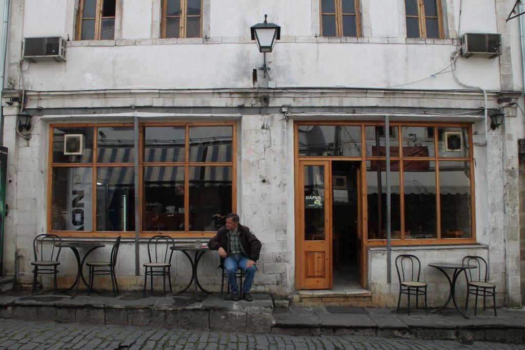 Po Albaniji: kaj bunkerji, hipsterske galerije!