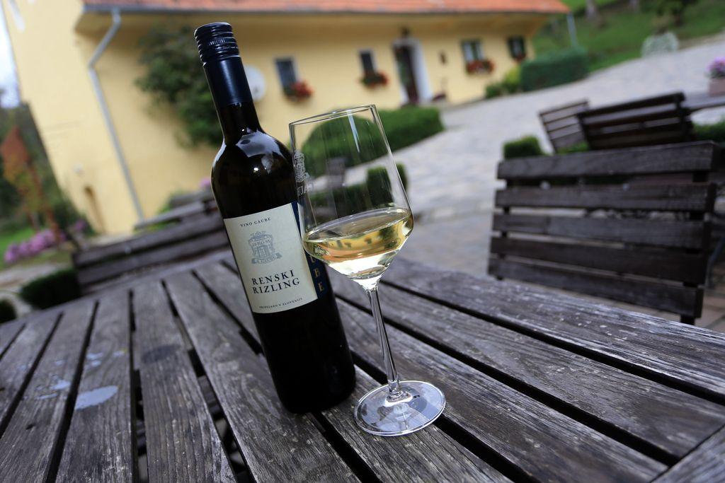 Svečina živi od vina, ne od vinskega marketinga