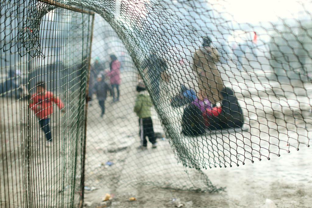 Industrija migracij: Resnični zaslužkarji trdnjave Evrope