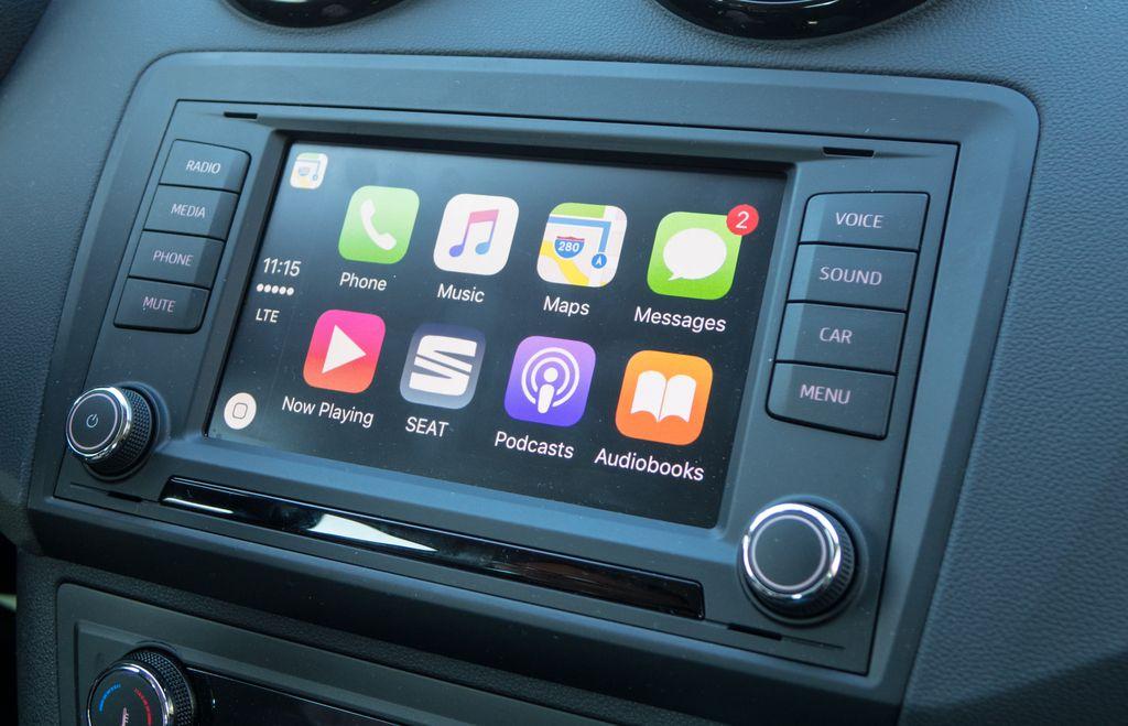 Tehnokamra: Apple carplay in druga avtomobilska večpredstavnost