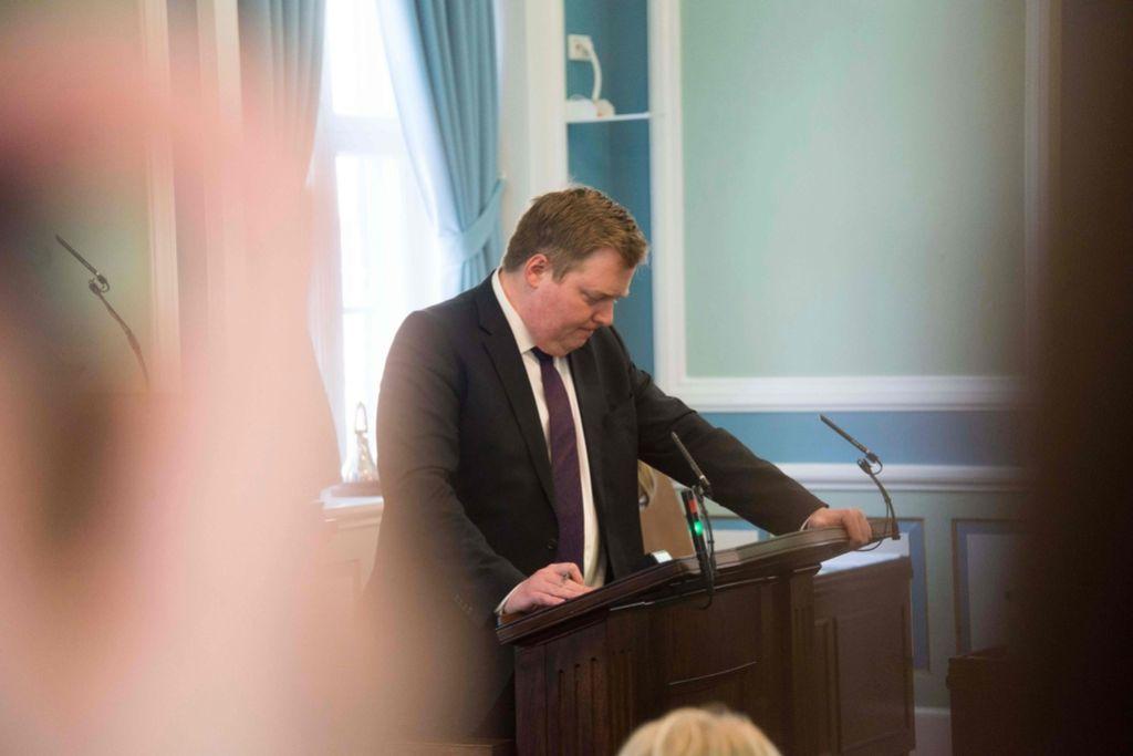 Prva žrtev Panamskih dokumentov: Islandski premier odstopil