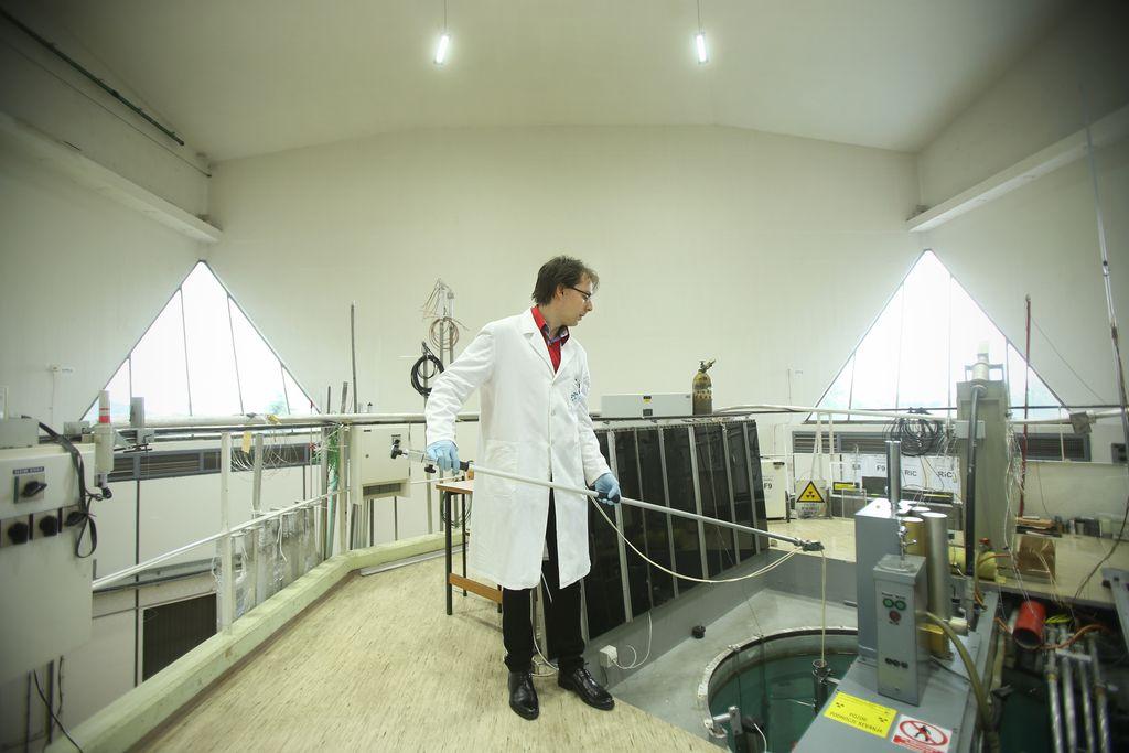 Testi odpornosti na sevanje elektronov