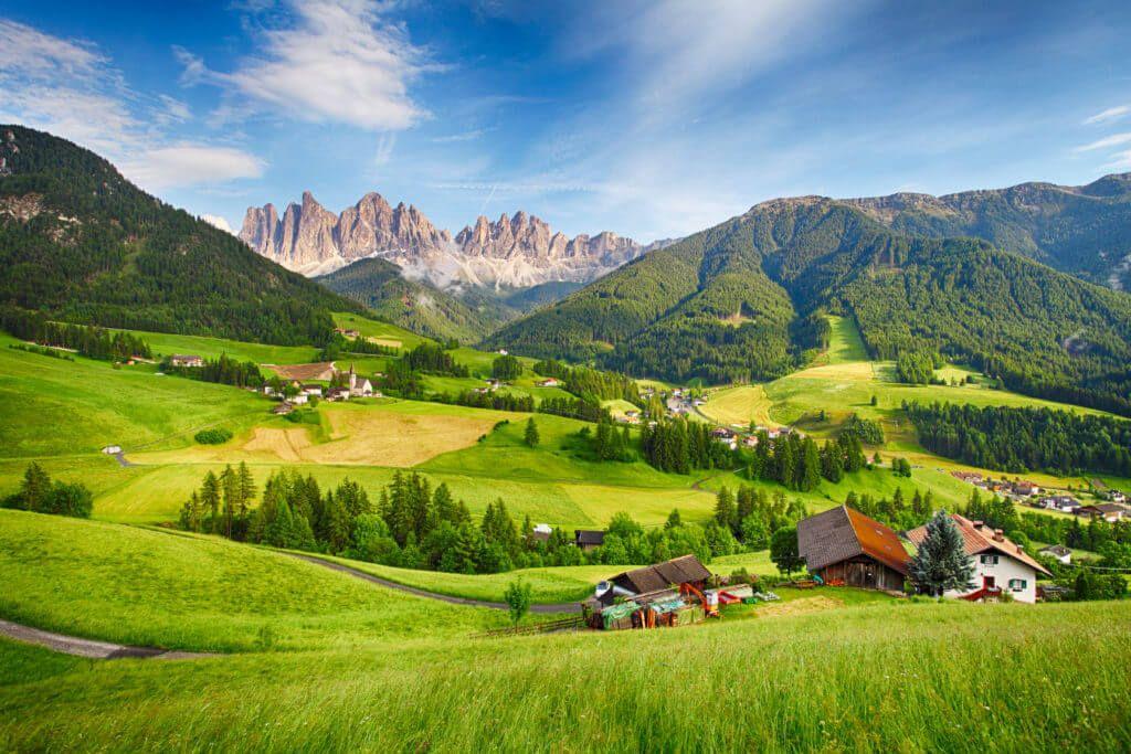 Vandraj: Pobegni pred poletno vročino v gorski svet Dolomitov