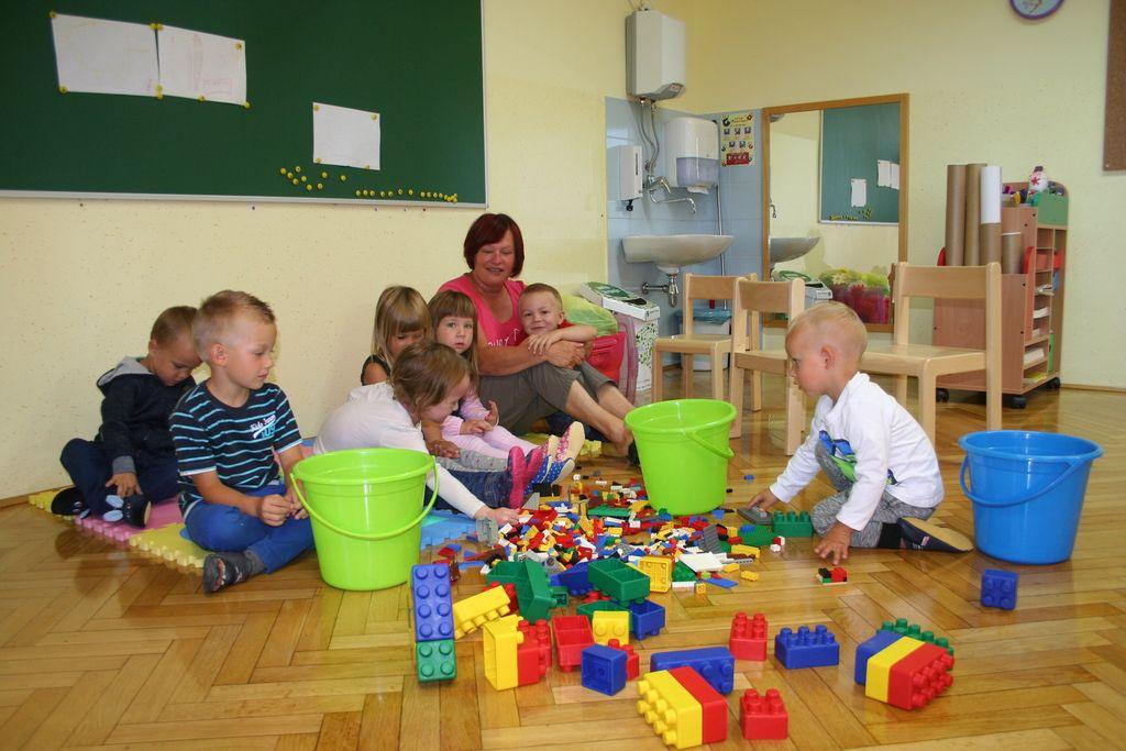 Ljubljanski klinični center prepovedal obiske