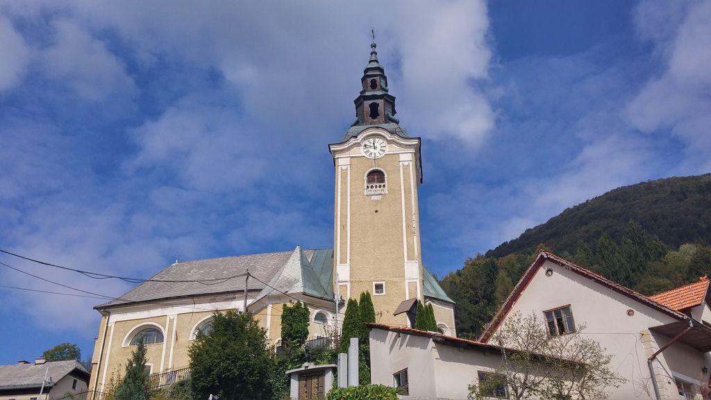 Cerkve bodo najprej rešili manjšega zla