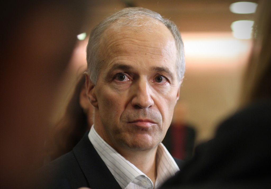 Marko Simoneti odstopil, ker mu v vladi vsi ne zaupajo dovolj