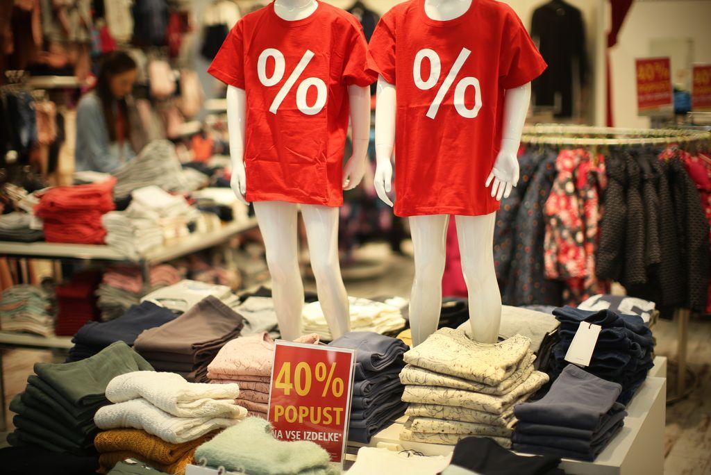 Ponudba oblačil je širša, prodaja pa hitrejša