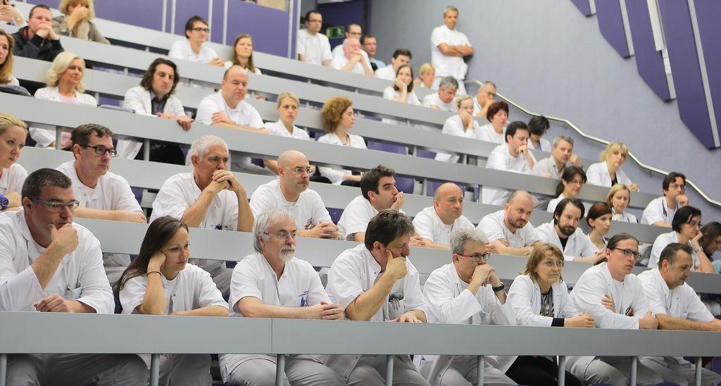 Kako z izobraževanj zdravnikov odstraniti sum korupcije