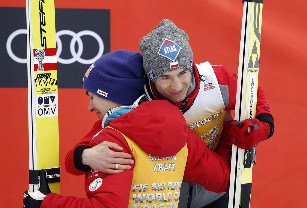 En Avstrijec zmagal, drugi potisnil Poljsko na vrh