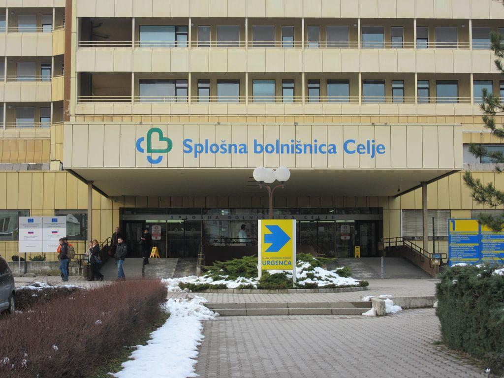Bolnišnica dobila direktorico in izgubila člana sveta zavoda