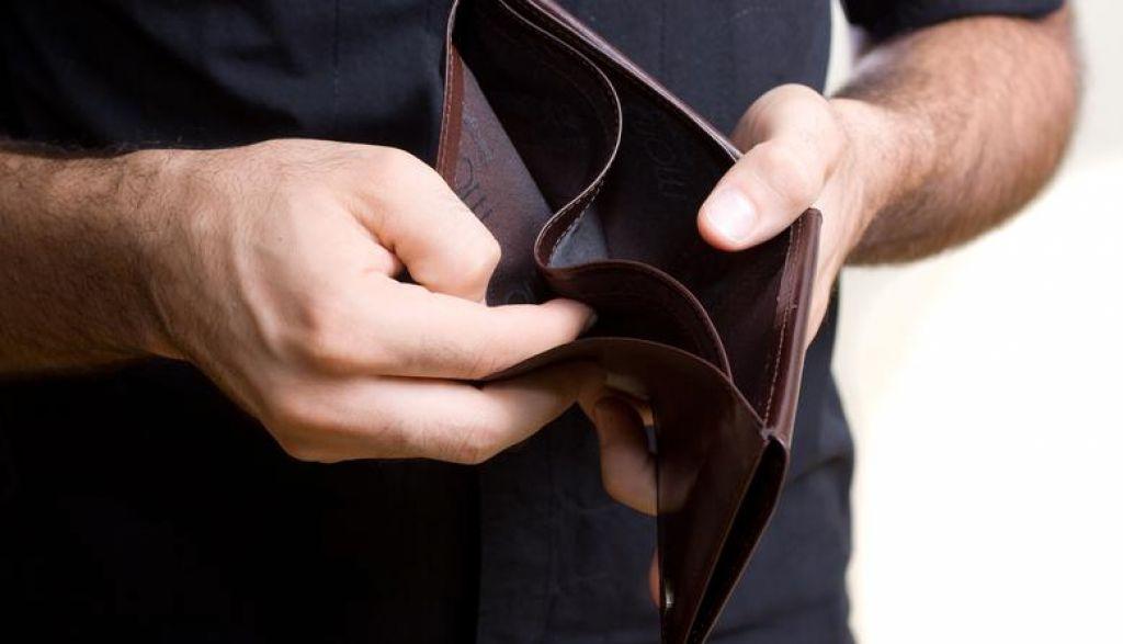 Vlada predlagala dvig socialne pomoči na 331,26 evra