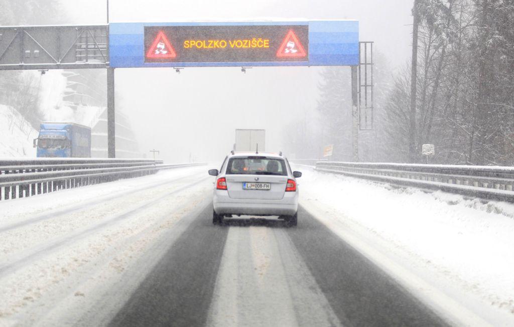 Ponekod po Sloveniji bo znova snežilo