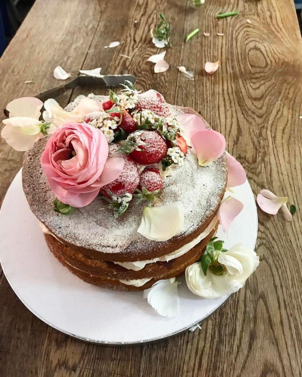 Poročna torta leta