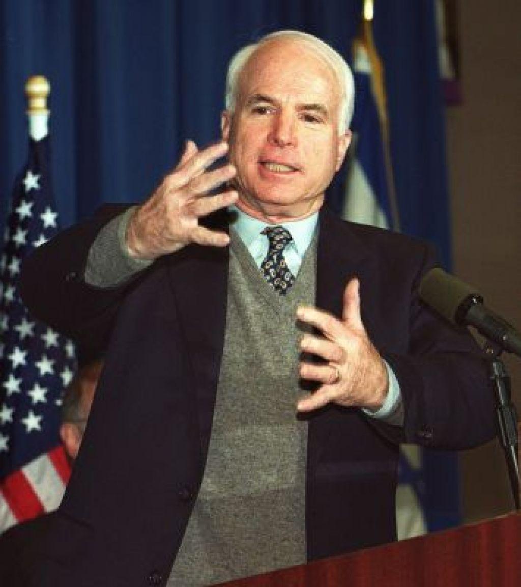 Borut Pahor in ameriški senator John McCain za mir